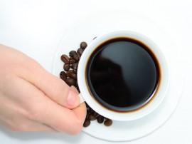 Wanilię posiekać drobno i utrzeć na miazgę, dodając niewielką ilość cukru pudru. Kawę wymieszać z kakao, pozostałym cukrem pudre...