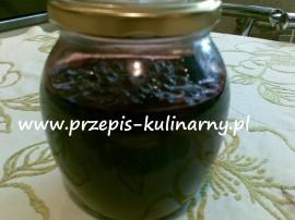 Jagody w sosie własnym można przygotować dwoma sposobami. W obu przypadkach jagody starannie płuczemy w wodzie, oczyszczamy z sz...