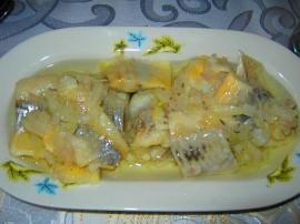 Pyszny przepis na �ledzie w oleju z cebul�, rybka jest krucha i ma pyszny wyra�ny smak (nie jest md�a i za s�ona). Wa�ne przy w...