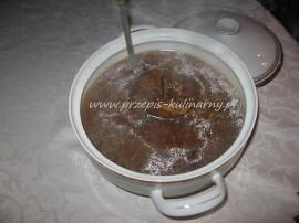 Pyszna, kwaśna zupa wigilijna zwana także kwasem grzybowym jest od zawsze przyrządzana na święta Bożego narodzenia w mojej rodzi...