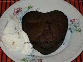 Torcik czekoladowy z gorącym sercem
