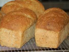Przepis na pyszny domowy chleb z p�atkami owsianymi i ziarnami, przepis na chleb pochodzi z programu Ewa Gotuje i jest przepyszn...