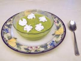 Bardzo prosty i smaczny deser z awokado, przepis z programu Ewa Gotuje. Ważne aby awokado było dojrzałe a więc dość miękkie, je...