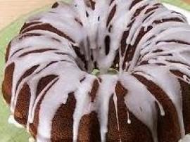 Przepis na Babkę Wielkanocną z programu Ewa gotuje. Masło ucieramy z 25 dag cukru (10 dag dodamy później), dodajemy cukier, cuki...