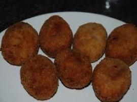 Kotlety z piersi kurczaka z serem i majonezem