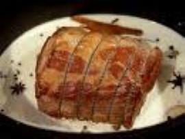 Wymieszać w oliwie paprykę,przyprawę i pieprz. Przygotowaną zalewę dokładnie wysmarować mięso. Zawinąć w folię aluminiową. Włoży...