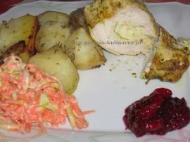 Sakiewki z kurczaka faszerowane serkiem brie