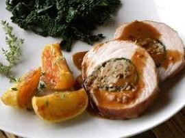Szynkę pokroić w plastry ok 1 cm i rozbić tłuczkiem. Przyprawy zmieszać i oprószyć mięso i ułożyć w szklanym naczyniu, przykryć ...