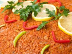 Wegetariańska ryba po grecku, czyli wersja wege z kotletami sojowymi zamiast ryby. Smak i zapach potrawie nadają glony wakame. J...