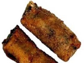 Mięso pokroić w cienkie paseczki. Wymieszać składniki marynaty i marynować mięso 30 min.  Rozgrzać w woku 2 łyżki oleju. Smaży...