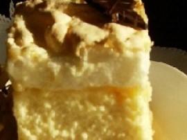 <b>Ciasto</b>: 3 żółtka utrzeć z niepełną szklanką cukru, dodać 1/2 kostki stopionego masła, wsypać szklankę mąki  z odrobiną pr...