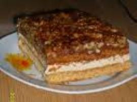Podane składniki na ciasto wymieszać, zagnieść, podzielić na pół. Upiec 2 placki ( w temperaturze około 180 stopni C przez 20-25...