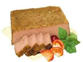 Gotujemy mięso - gdy będzie już prawie półmiękkie do mięsa wrzucamy jarzyny - np. 2 marchewki i po kawałku selera i pietruszki....