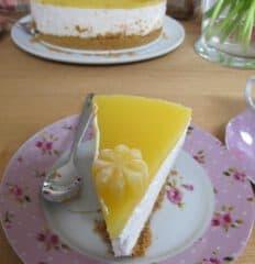 Sernik na zimno - pyszne ciasto bez pieczenia